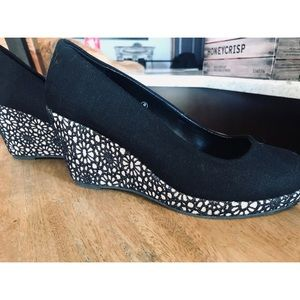 Maurices Black Wedges Size 8